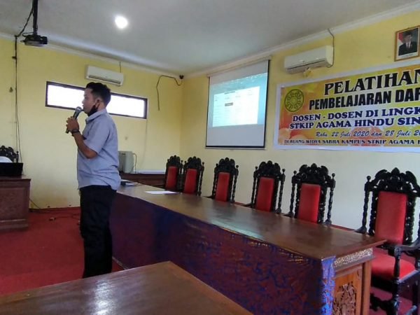 Pelatihan Pembelajaran Video Conference dengan Zoom Cloud Meeting