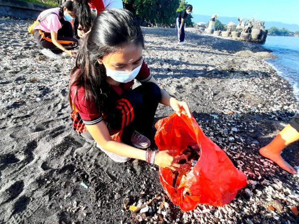 """Monthly Clean Weekend"", Wujudkan Harmonisasi dengan Lingkungan"